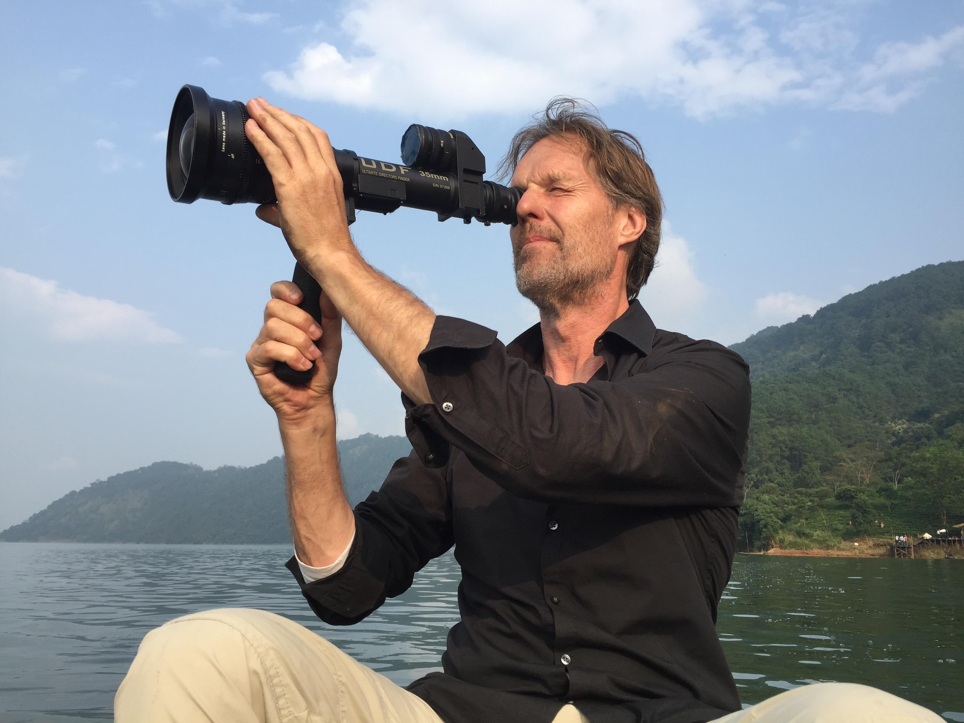 blocking-scene-on-lake-in-shillong